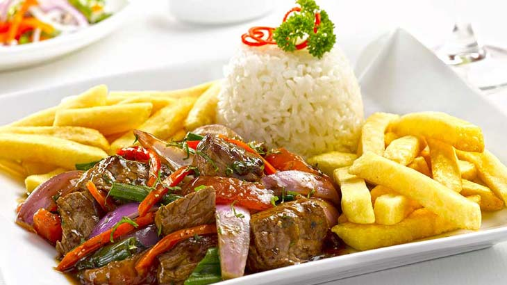 lomo saltado peruvian traditional food