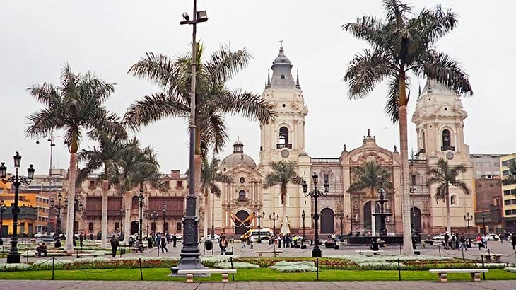Family holidays in lima main square