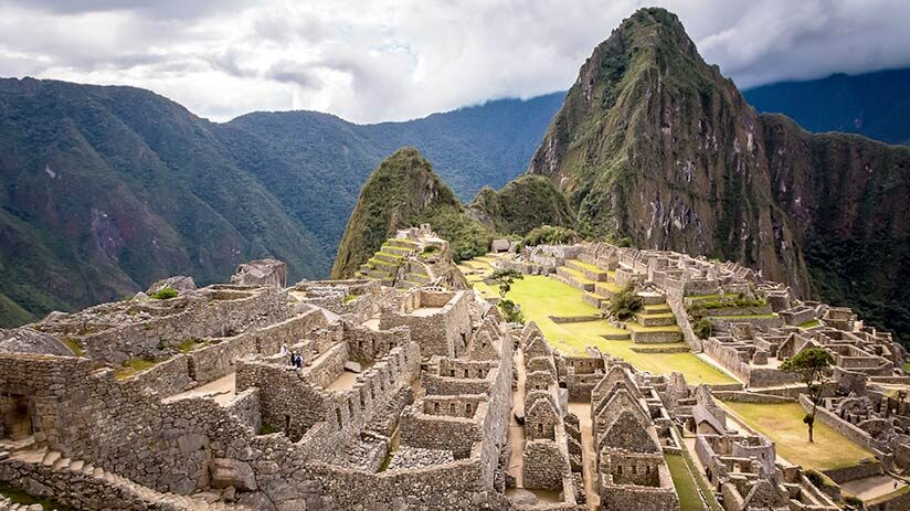 visiting machu picchu plaza central