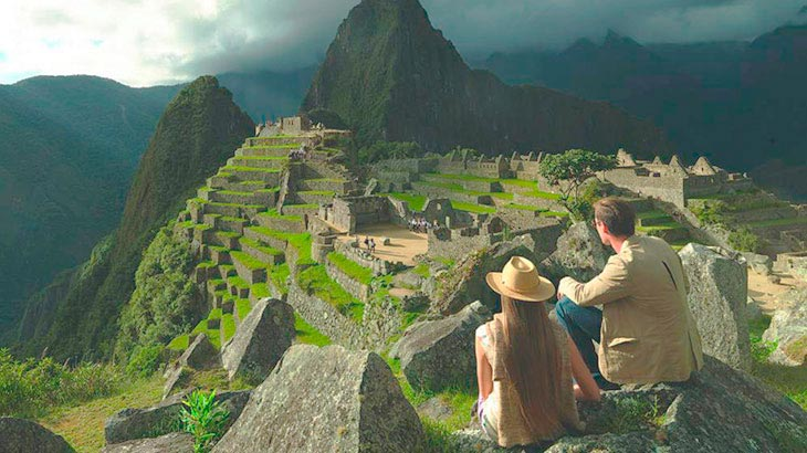contemplating-machu-picchu-honeymoon