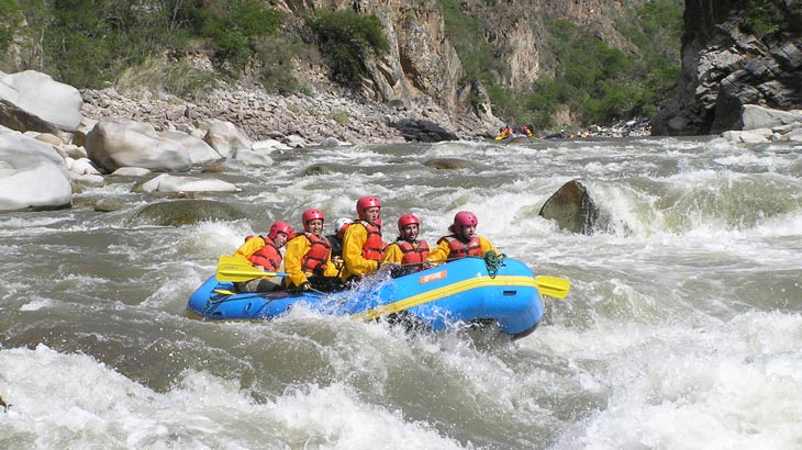 rafting peru tourist attraction