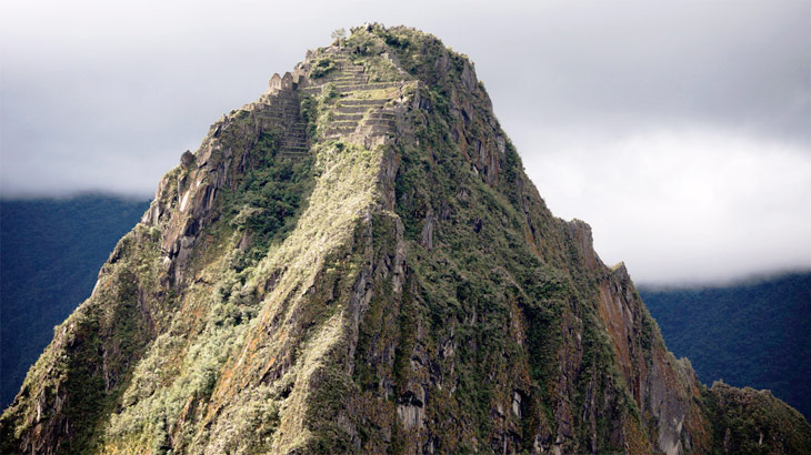 hiking huayna picchu