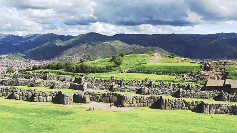 sacsayhuaman fortress cusco peru tourism