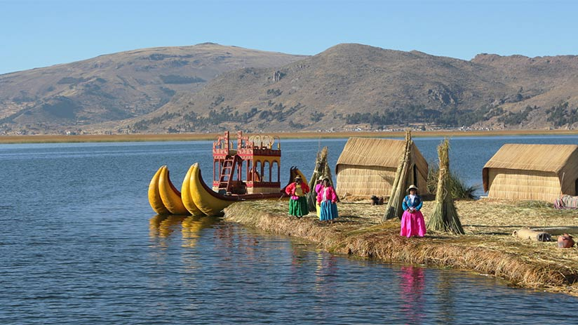 uros-islands-lake titicaca