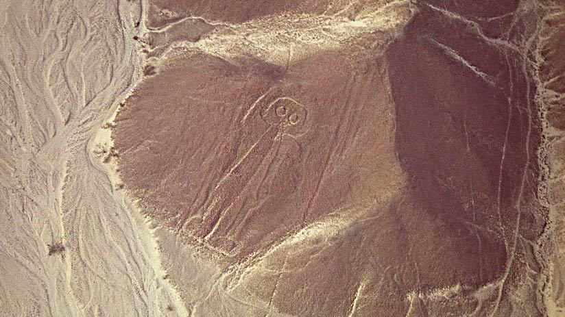 astronaut nazca lines peru