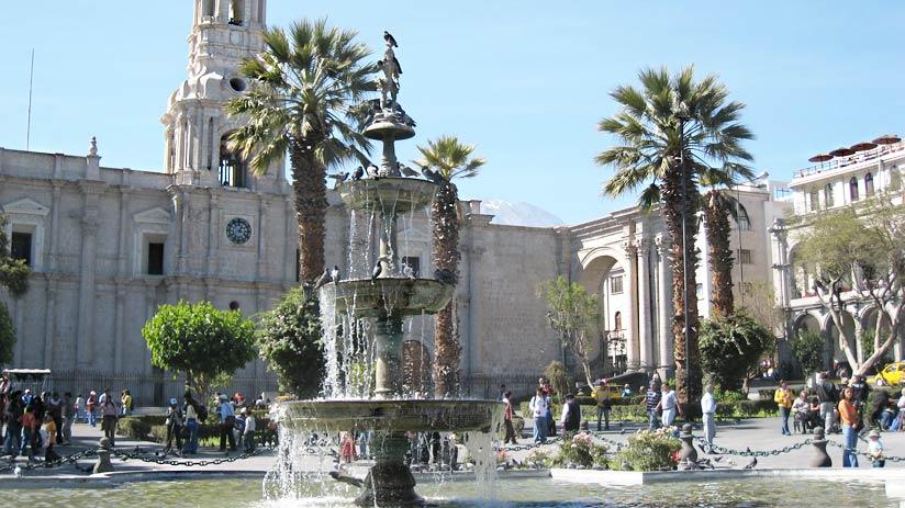 visit arequipa main square