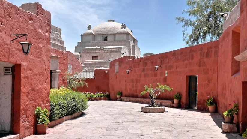 visit santa catalina arequipa peru