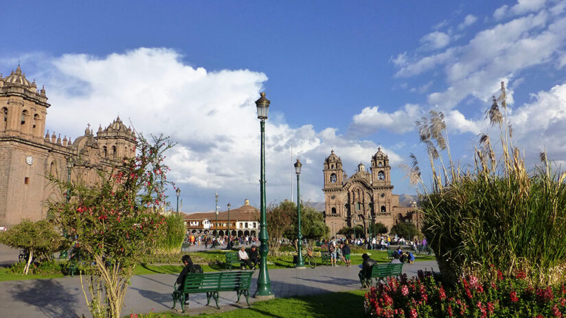 visit cusco and its main square