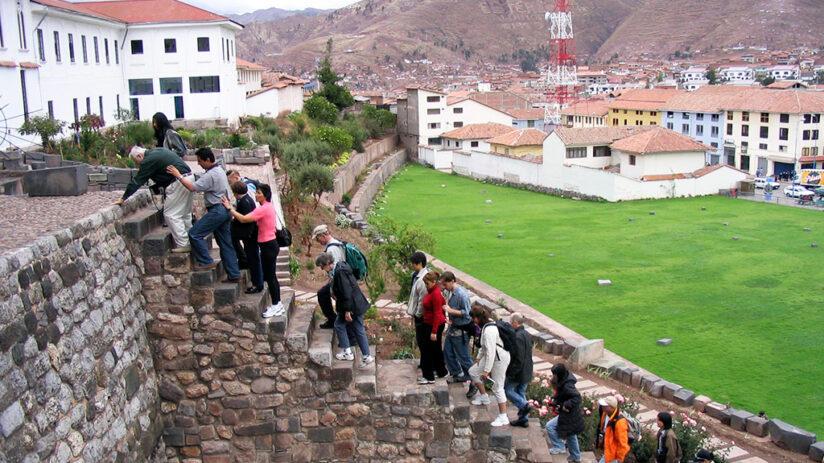 visit cusco free walking tour