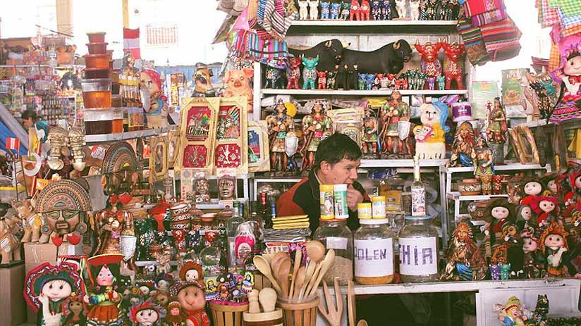 souvenirs san pedro market cusco