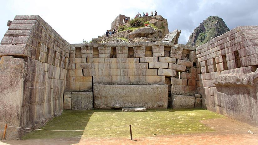 principal temple machu picchu pictures