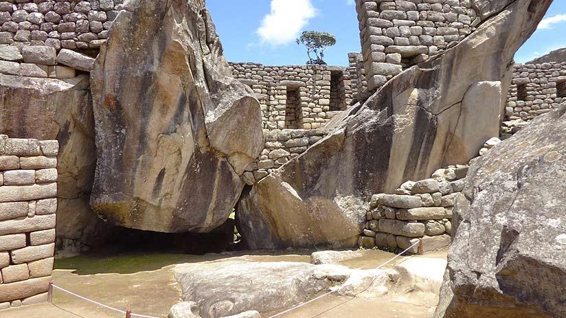 temple condor machu picchu pictures