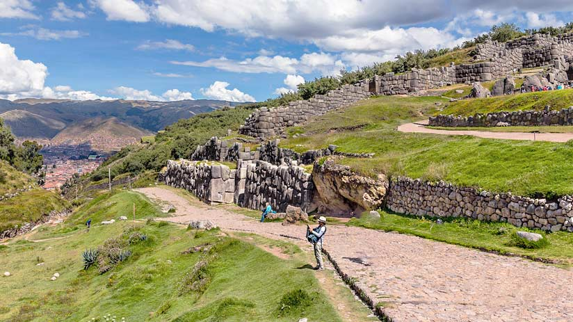 inca fortress cusco archaeological sites