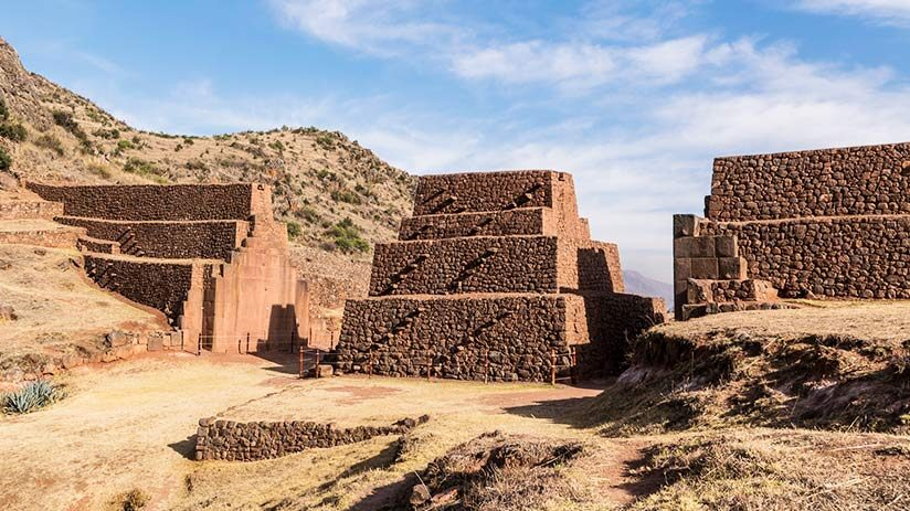 archaeological sites in cusco rumicolca