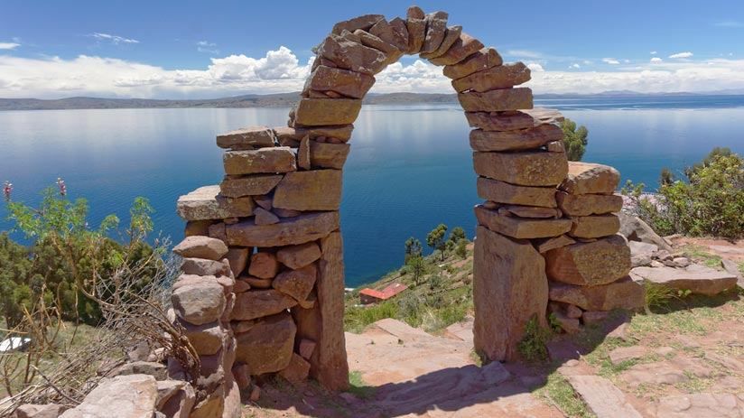 how to get to lake titicaca