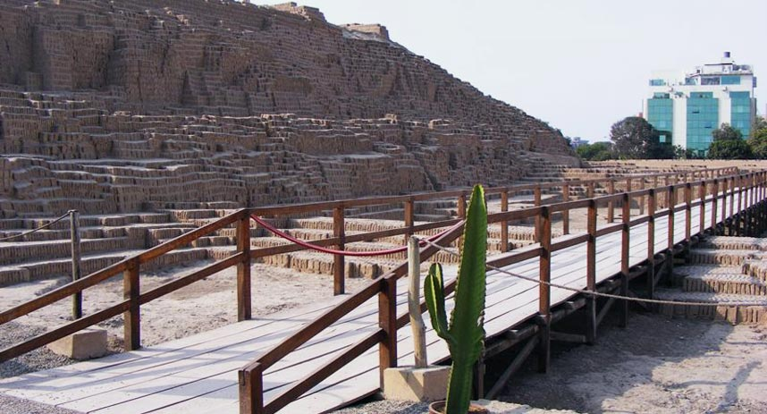 huaca pucllana, lima tourist attractions