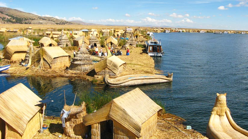 uros island, popular tourist destinations in peru