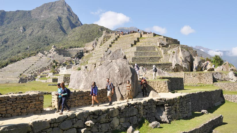 machu picchu inca citadel, popular tourist destinations in peru