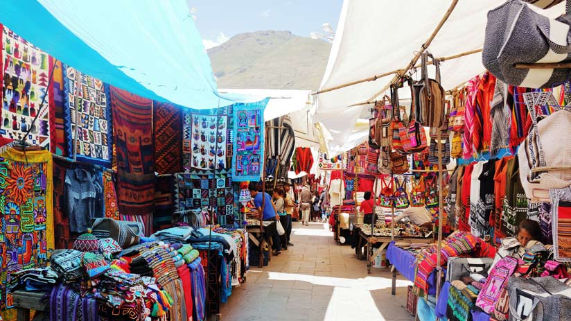 pisac market, popular tourist destinations in peru