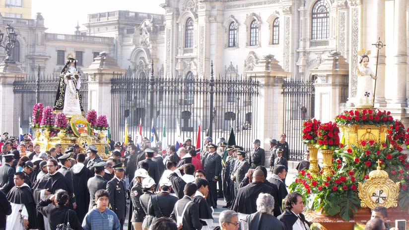 procession of santa rosa de lima, best time to visit peru