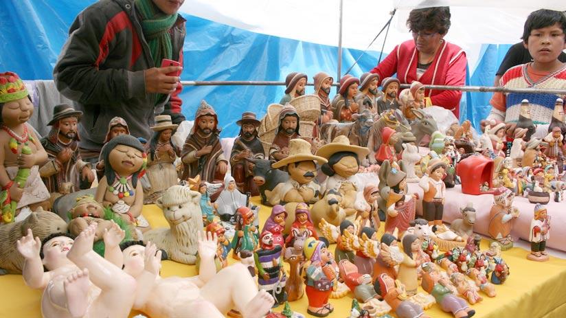 santuranticuy in the main square cusco, best time to visit peru
