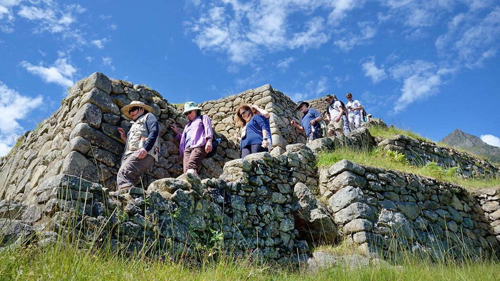 tips to budget the best tour to peru