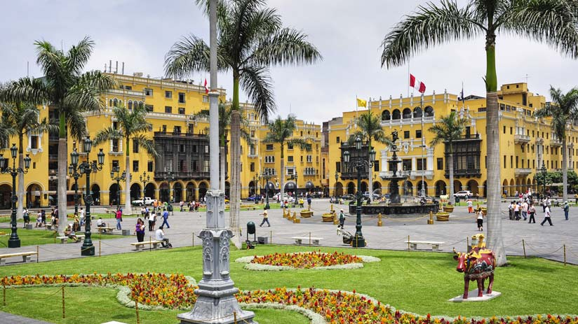 main square of lima that you can know with a tour in peru
