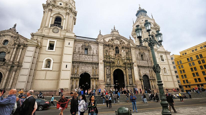 peru what to do in crowded tourist places
