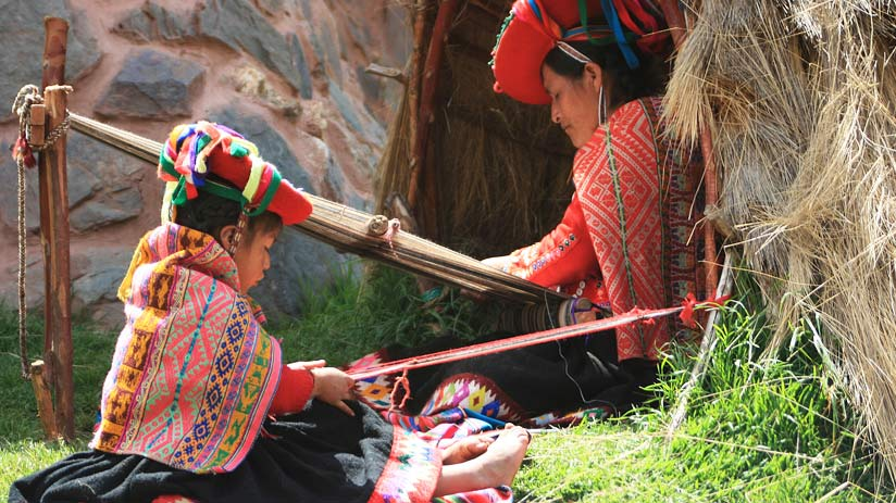 where ancestral style of weaving , where is peru