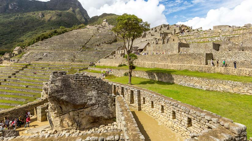 explore machu picchu with your peru travel guide
