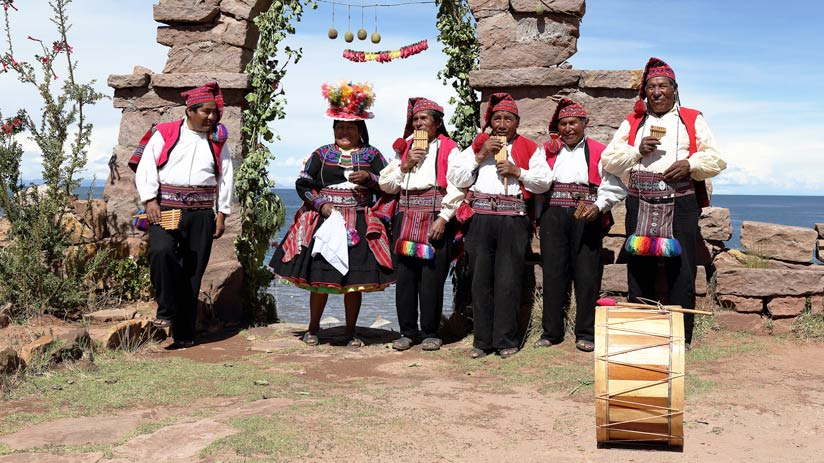 lake titicaca floating island traditions