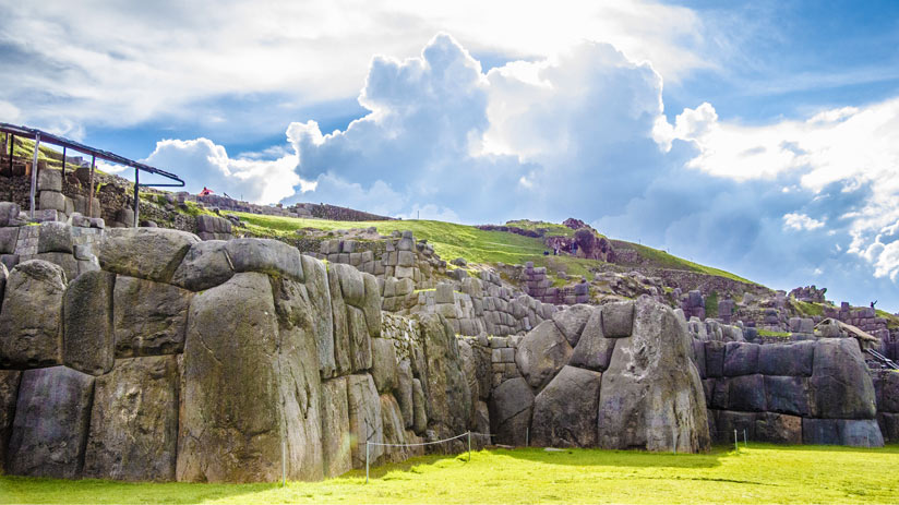 beautiful sacsayhuaman main features
