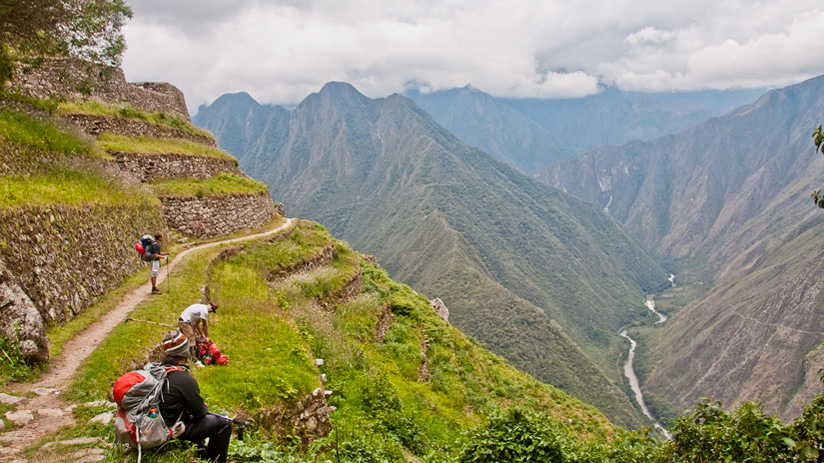 peru machu picchu hike inca trail begin