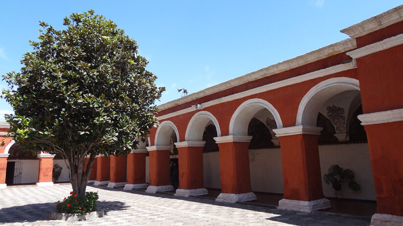 tourist attractions in arequipa santa catalina monastery