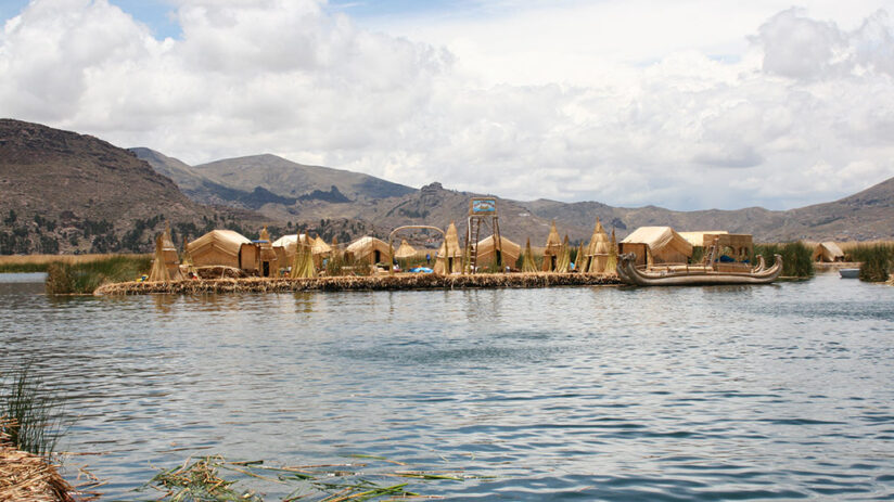 uros islands boat tours on lake titicaca