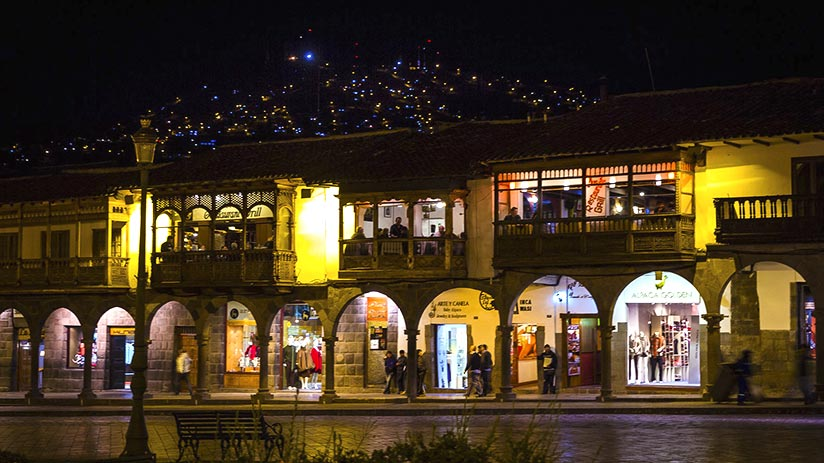 cusco nightlife main square