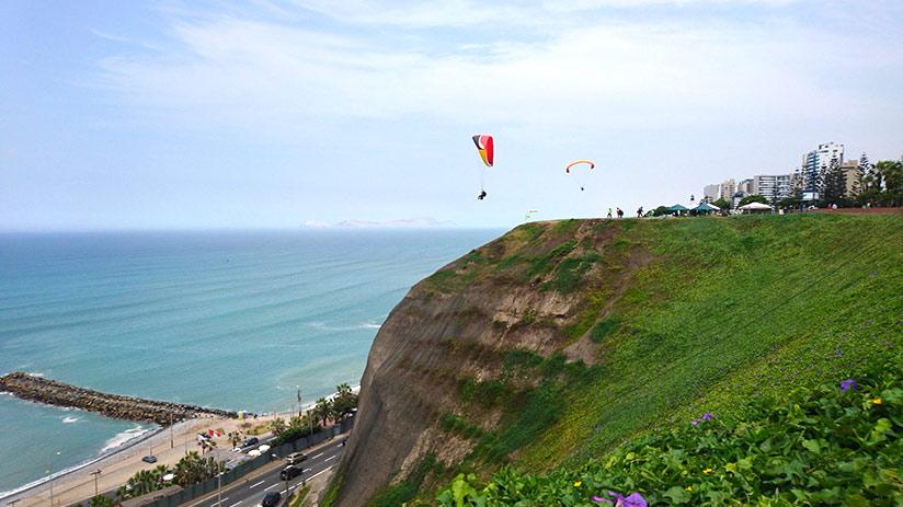 best time to visit peru paragliding
