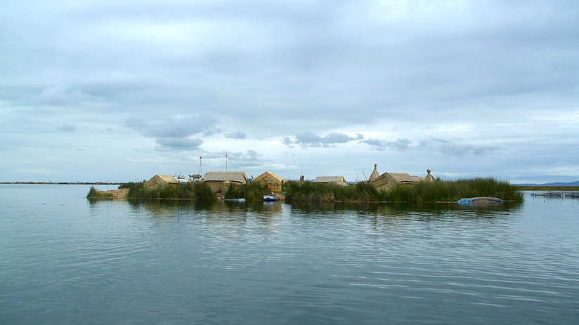 lake titicaca floating islands uros