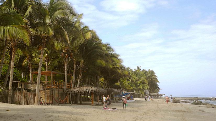 beaches in peru las pocitas