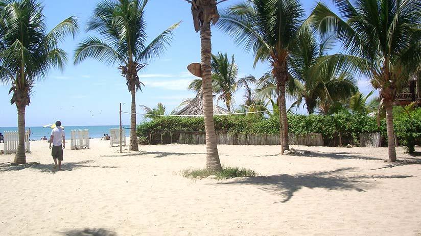 peru beaches mancora