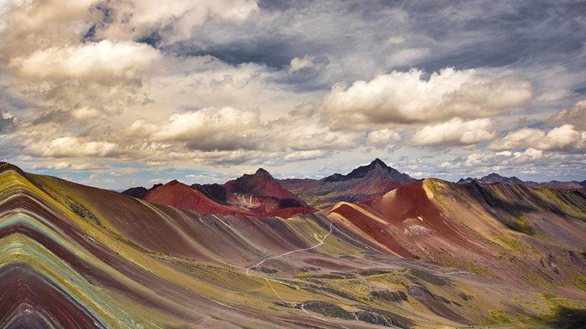 peru sightseeing rainbow mountain vinicunca