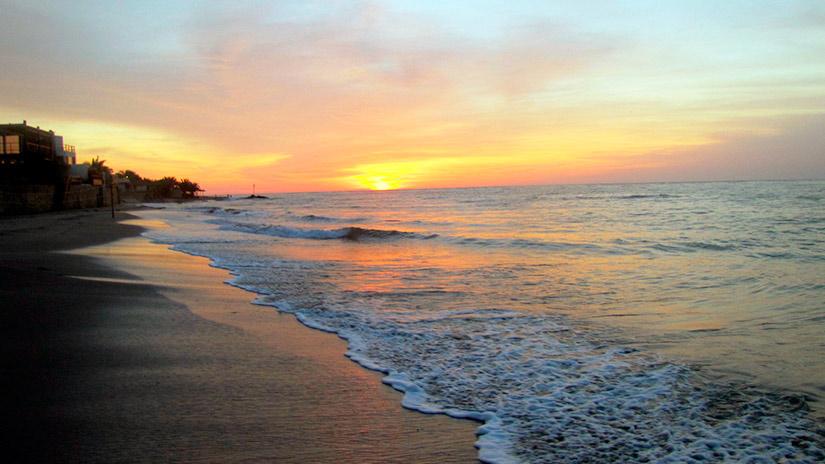 beaches in peru punta sal