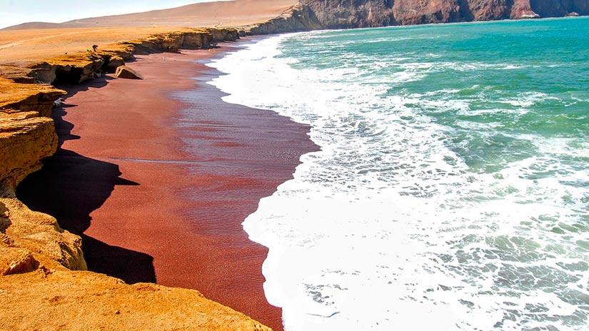 beaches in peru red beach