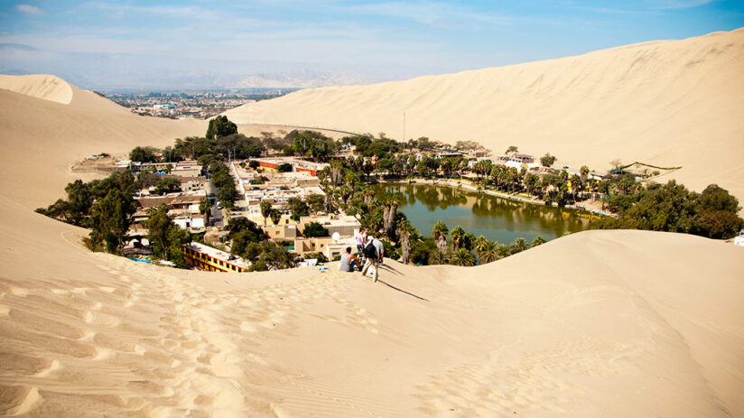 vacation with friends huacachina