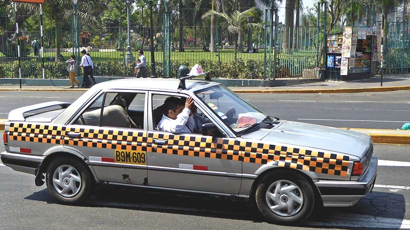 what to do when travelling overseas take safe taxis