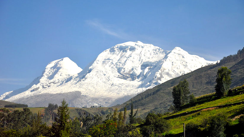 where can i go to see snow huascaran