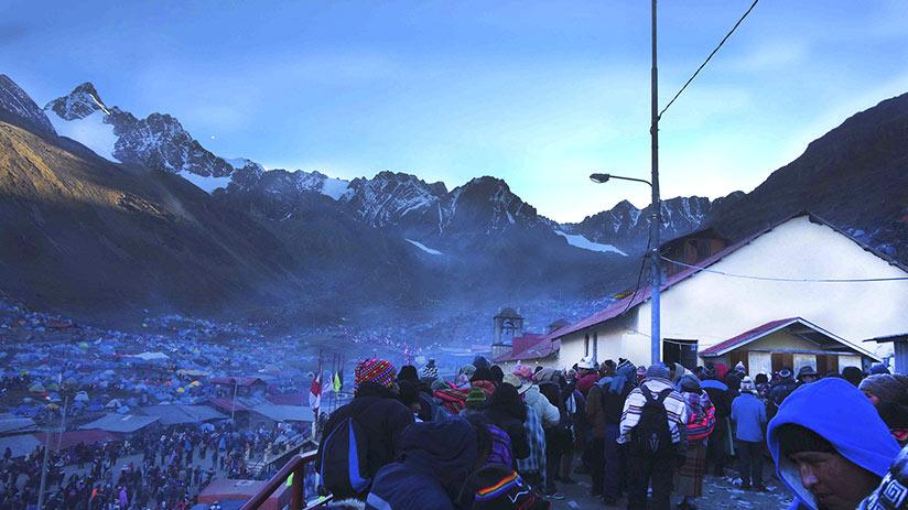 where can i go to see snow qoyllur riti