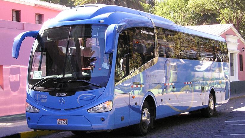 travel around peru by bus