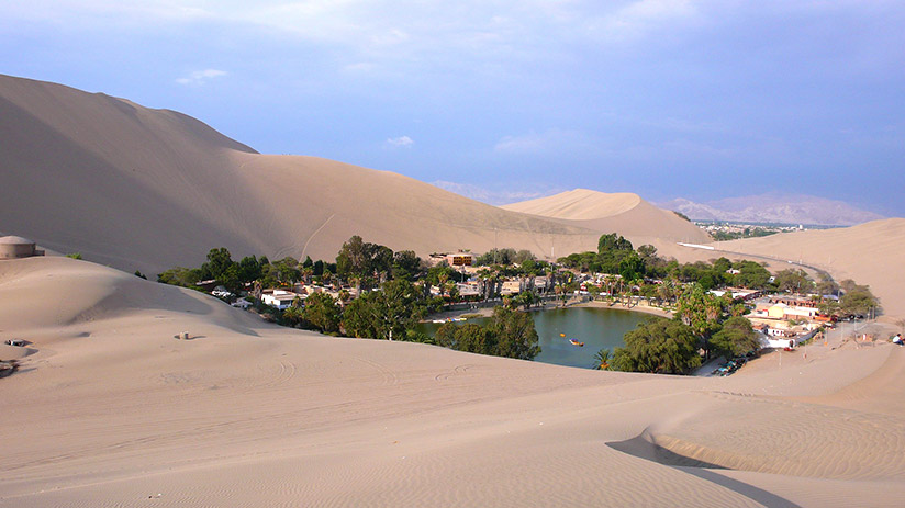 travel around peru huacachina