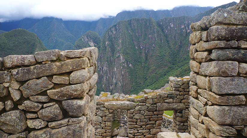 visiting peru in december christmas in machu picchu